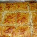 Μια ευκολη και γρηγορη συνταγη για μια πεντανοστιμη μανιταροπιτα που θα σας κανει να γλειφετε και το ταψι… Greek Recipes, Veggie Recipes, Vegetarian Recipes, Cookbook Recipes, Cooking Recipes, Greek Cookies, The Kitchen Food Network, Cheese Pies, Puff Pastry Recipes