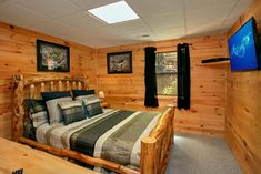 2 Bedroom Cabin in the Smoky Mountains With a View