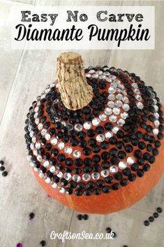 This no carve diamante pumpkin will add some bling to your Halloween celebrations! Better still, this decoration is both quick and cheap to make.