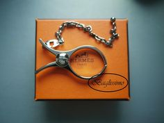 Hermès Glove Holder @ http://baglissimo.weebly.com