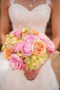 pink peach bouquet wedding