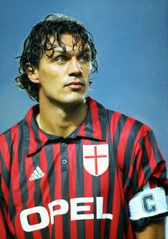 🎉All the achievements of today's birthday - Paolo Maldini! games seasons matches for the national team heads Series A Italian Super Cup Cup of Italy Champions League Italian Super Cup Club World Championship The best quarterback in history! Legends Football, Football Icon, Best Football Players, Good Soccer Players, Football Is Life, Arsenal Football, Retro Football, World Football, Vintage Football