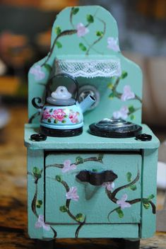 While I don't so much like being awake during the night with my mind racing, I don't mind so much when I have an idea on a m. Diy Doll Miniatures, Dollhouse Miniature Tutorials, Miniature Crafts, Diy Dollhouse, Miniature Dolls, Miniature Kitchen, Miniature Houses, Doll House Crafts, Doll Crafts
