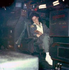 "Synteza historii i sztuki: Alien - ""Obcy - 8 pasazer Nostromo"" - za kulisami Aliens 1986, Aliens Movie, Ridley Scott Movies, Saga, Alien Ripley, Science Fiction, Alien Photos, Alien Resurrection, Sigourney Weaver"