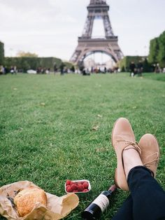 Picnic lunch with a view of the Eiffel Tower