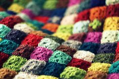 tiny grannies...I love this! A way to use every scrap of yarn!