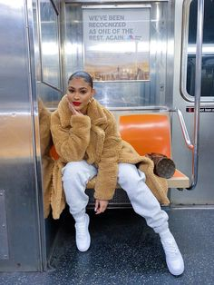 winter outfits going out - winteroutfits Winter Outfits For Teen Girls, Winter Mode Outfits, Winter Fashion Outfits, Autumn Winter Fashion, Outfits Casual, Chill Outfits, Dope Outfits, Streetwear Mode, Streetwear Fashion