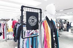 유니크한 감성의 디자이너 브랜드 키미제이 kimmyj 의 제품을 갤러리아명품관 WEST 3층에서 만나보세요.