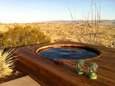 Large cedar hot tub. Or a place to cool off in summer - Joshua Tree house rental