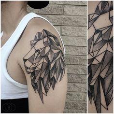 Resultado de imagen de lion tattoo geometric