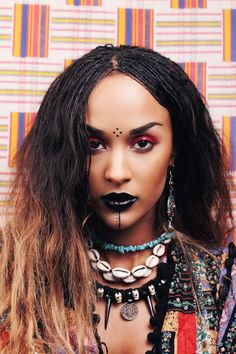 Bildergebnis für voodoo make up Voodoo Priestess Costume, Voodoo Costume, Voodoo Halloween, Queen Costume, Halloween Make Up, Halloween Face Makeup, Bride Costume, Halloween Costumes, Vintage Halloween