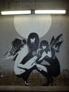 Dark angels, street art. Eelus.