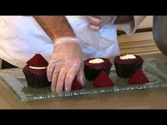 Pastry Chef Jeff Barnes at Disney's Contemporary Resort makes a mean red velvet cupcake. Mommy Frog has been studying this video, sooo :) -Leap