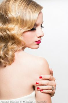 These finger wave curls with red lips seem Taylor Swift-esque. Look by Jheri Bradshaw. Photo by Ryan Walsh M Beauty, Classic Beauty, Hair Beauty, Waves Curls, Soft Curls, Wedding Hair And Makeup, Hair Makeup, Bridal Hair Tiara, Wedding Hairstyles