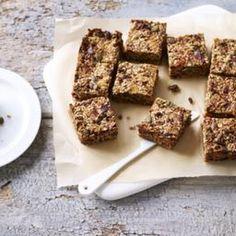7 Best Berries For Your Wellness – Natural Mommy Breakfast Bars, Vegan Breakfast, Breakfast Recipes, 0 Recipe, Goji Berry Recipes, Herbal Weight Loss, Porridge Oats, Flaxseed, Ground Cinnamon