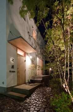 A top fix window Entrance Gates, House Entrance, Japan Modern House, Concrete Steps, Japanese House, Outdoor Life, Interior Architecture, Backyard, House Design