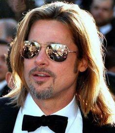 The Brad Pitt School of Blogging Superstardom