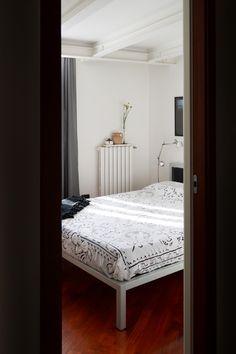 Guestroom_scorci_porta_cameraospiti_letto
