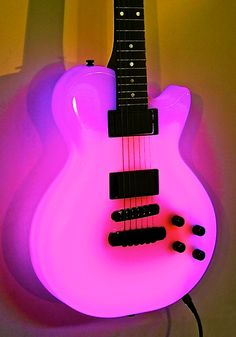 so awesome i love this glow in the dark guitar guitars electric les paul guitars music. Black Bedroom Furniture Sets. Home Design Ideas