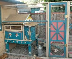 This is a great simple design (if we ignore all the embellishments) for a coop