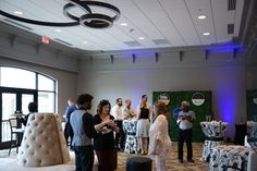 Have you seen the Willow Room? Get to know more about the Galt's new meeting spaces. Galt House Hotel, Premier Hotel, Hotel Wedding, Getting To Know, Special Events, How To Memorize Things, Spaces, Weddings, Room