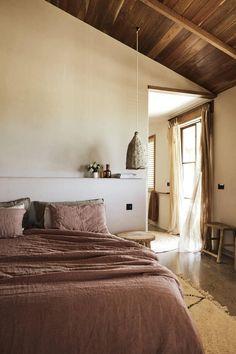 Bedroom Minimalist, Minimalist Home, Bedroom Inspo, Bedroom Decor, Master Bedroom, Rustic Color Schemes, Turbulence Deco, Interior And Exterior, Interior Design