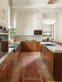 Supreme Kitchen Remodeling Choosing Your New Kitchen Countertops Ideas. Mind Blowing Kitchen Remodeling Choosing Your New Kitchen Countertops Ideas. Two Tone Kitchen Cabinets, Farmhouse Kitchen Cabinets, Kitchen Countertops, Base Cabinets, Walnut Cabinets, Narrow Kitchen, Kitchen White, White Cabinets, Upper Cabinets