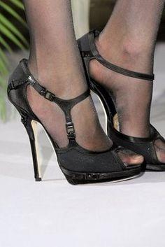 61d808fa58e2 Christian Dior Fall 2009 Couture Fashion Show