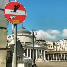 Arte en señales de tráfico | No me toques las Helvéticas | Blog sobre diseño gráfico y publicidad