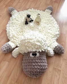 Little lamb soft and fluffy kids rugs ? Order Today Little lamb soft and fluffy kids rugs ? Crochet Mat, Crochet Rug Patterns, Crochet Home, Cute Crochet, Crochet Stitches, Animal Rug, Childrens Rugs, Fluffy Rug, Man Quilt