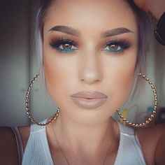 Eye Makeup Tips.Smokey Eye Makeup Tips - For a Catchy and Impressive Look Gorgeous Makeup, Pretty Makeup, Love Makeup, Kiss Makeup, Makeup Inspo, Makeup Inspiration, Hair Makeup, Brown Lipstick Makeup, Makeup Ideas