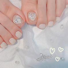 Wedding Toe Nails, Bride Nails, Wedding Toes, Wedding White, Summer Wedding, Gel Toe Nails, Feet Nails, Toe Nail Art, Pedicure Designs