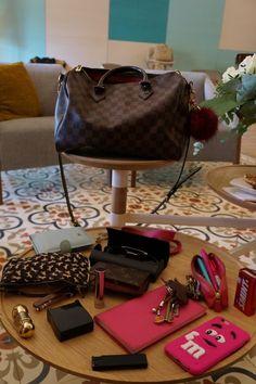Whats in my bag, bag therapy, la roca village, bolso, louis vuitton, iphonce case, Dime qué llevas en el bolso y te diré quién eres - Barcelonette