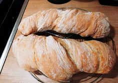 Ciabatta, Ring Cake, Canapes, Scones, Italian Recipes, Bakery, Food And Drink, Pork, Sweets