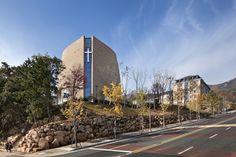 Galería de Capilla BUFS / Architects Group RAUM + Nikken Sekkei - 3