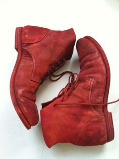 Simone Cecchetto, formerly of Carpe Diem, designs hand made leather shoes and boots for his label, A1923 (Adiciannoveventitre) formerly known as Augusta.