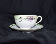 Vintage Nippon Noritake Tea Cup and Saucer Cherry Blossom Vintage Shabby Chic, Vintage Tea, Shabby Chic Decor, Etsy Vintage, Vintage Shops, Vintage Coffee Cups, Japanese Porcelain, China Tea Cups, Asian Decor