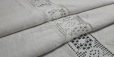 Plaid Tablecloth, Crochet Borders, Off Colour, Tablecloths, Vintage 70s, Colours, Rustic, Handmade