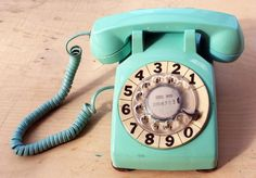 vintage aqua phone... hello, gorgeous!