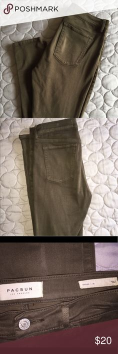 """Pacsun Jeggings in size 26 Selling my Pacsun jeggings in Olive. Worn twice! Has faux pockets in the front (real ones in back) great to pair with any top! Inseam is about 28"""". Willing to negotiate so feel free to make me an offer! 😊 PacSun Jeans Skinny"""