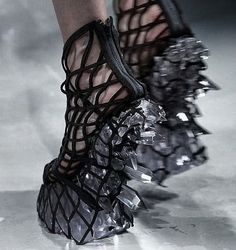 "elayesildogan: "" Iris Van Herpen's collection for Fall/Winter 2015-16 - Hacking Infinity """