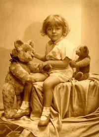 67 Ideas For Photography Girl Vintage Teddy Bears Vintage Children Photos, Images Vintage, Photo Vintage, Vintage Pictures, Vintage Photographs, Vintage Postcards, Old Teddy Bears, Antique Teddy Bears, My Teddy Bear