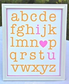 bloomdesignsonline.com via  Lil' Luna. Absolutely adorable for child's room as well as party decor!