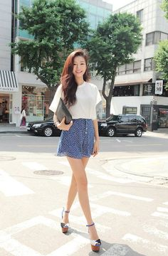 Korean Kpop always have new thing on awesome fashions, should youn't have the outfits right there, it's a fantastic idea to invest in these. Just attempt to be sure it stays simple, and make sure that it complements your outfit Korean Fashion Winter, Korean Fashion Trends, Korean Street Fashion, Korea Fashion, Kpop Fashion, Cute Fashion, Asian Fashion, Fashion Looks, Fashion Outfits