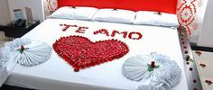 20 ideas to decorate the bed with rose petals 20 ideas to decorate the bed . 20 ideas to decorate the bed with rose petals 20 ideas to decorate the bed with rose petals