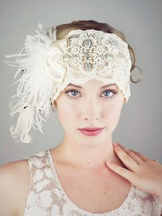 Ivory Lace Flapper Feather Headband por BaroqueAndRoll en Etsy