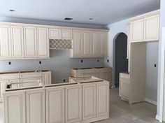 A beautiful traditional kitchen using LaFata Cabinets of Bellagio ...