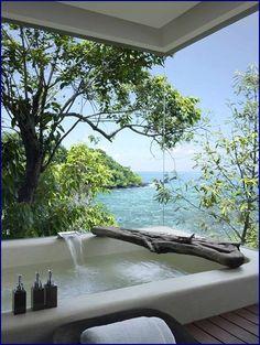 Coastal Style Beach Bath | La Beℓℓe ℳystère