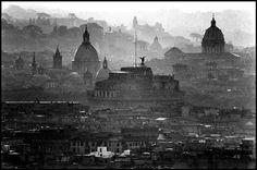 Elliott Erwitt. ITALY. Rome. 1978.