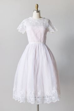 Innocent Lavinia Dress -nvintage 1950s white organza embroidered party dress